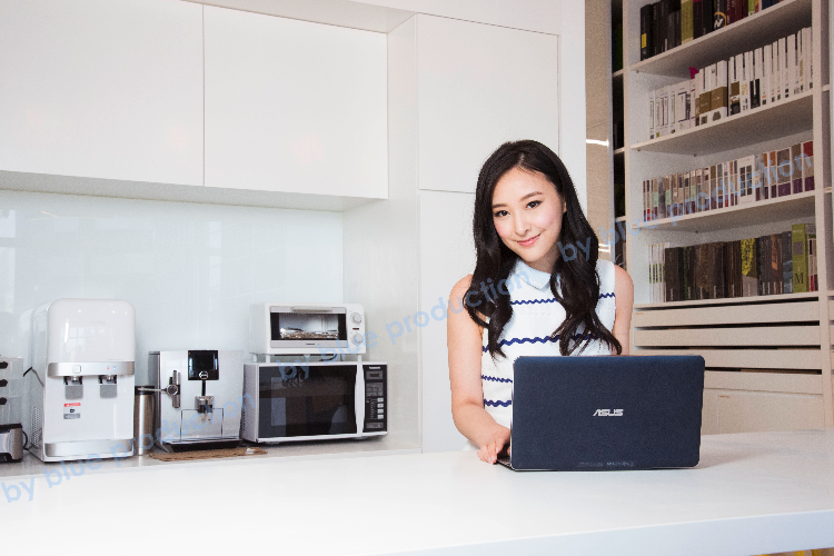 advertorial photo shoot -Transformer Book T300 Chi