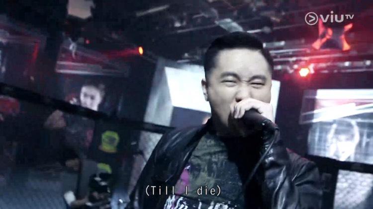 受邀在ViuTV[G1格鬥會]總決賽與帶菌者樂隊現場演唱主題曲[硬仗]