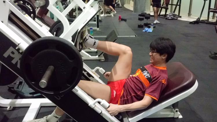 一對一手球運動員前十字韌帶重建後之體能訓練