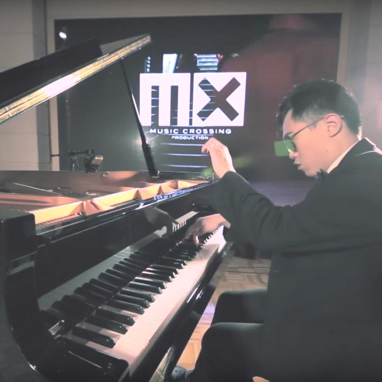 Ritzy Pianist 鋼琴手會提供多種曲目予你選擇,並非常樂意作其他安排以切合你所需。