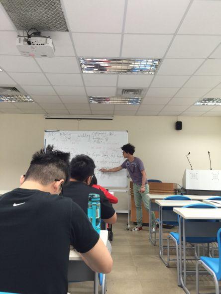 台北市立大學天母校區運動防護研究所特約英文課程上課實況