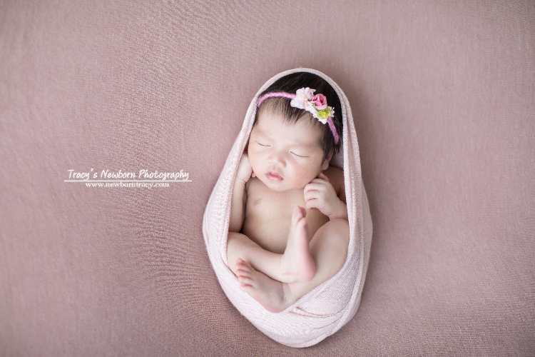 Tracy's Newborn Photography www.newborntracy.com