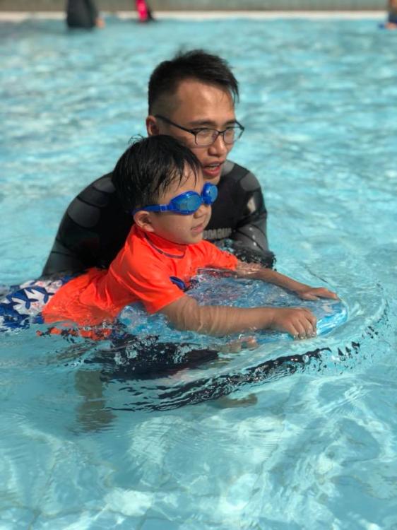 除了小組教學,iSplash泳會更設一對一教學
