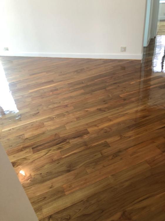 車磨翻新木地板
